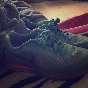 Nike airmax size 9